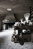 Wein & Wurstwaren in ländlich rustikalem Feinkostladen