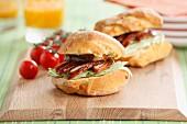 Sandwich mit glasierter Hähnchenbrust