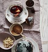 Schwedischer Weihnachtspunsch und Elisenlebkuchen mit Foto-Oblate