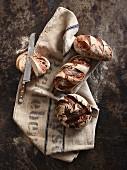 Brotstillleben mit Messer