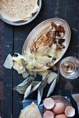 Souffle-Crepes mit Shiitakepilzen und Gruyere