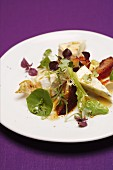 Fruity salad with plums and Camembert