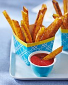 Semolina chips with strawberry sauce