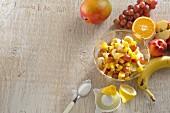 Obstsalat mit Zitronensaft