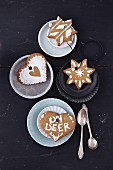 Gingerbread biscuits with icing sugar