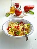 Pasta al pomodoro crudo (pasta with tomatoes, Italy)