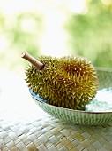 Durian in einer Schüssel