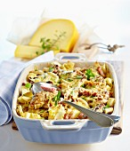 Amsterdam pasta bake with pork fillet and Gouda cheese