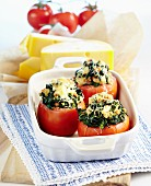 Stuffed tomatoes with spinach and turkey breast