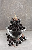 Dried and fresh aronia berries