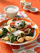 Mussels with tomatoes, spinach and Parmesan cheese