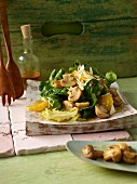 Lamb's lettuce with honey-glazed mushrooms and orange orange fillets