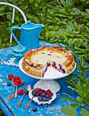 Gluten-free cheesecake with berries