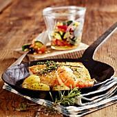 Filet vom Viktoriabarsch mit Garnelen & Kartoffeln