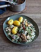 Mandelmus-Pilz-Ragout mit Mangold und Kartoffeln