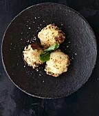 Gratinated mushroom dumplings