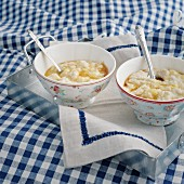 Vegetarian porridge with bananas and maple syrup