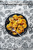 Spicy orange carpaccio with pomegranate seeds (Turkey)