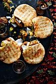 Mini pita breads filled with curried falafel (Turkey)