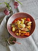 Ratatouille mit Artischocken, Röstkartoffeln & Mandeln