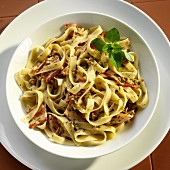 Fettuccine with a mussel sauce and bacon