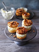 Caramelised almond muffins with a vanilla filling