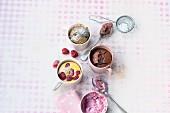 Vier süße Mugcakes