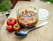Tomatensalsa im Glas