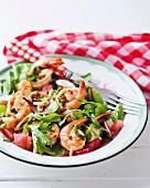 Leaf salad with prawns and spicy watermelon salsa