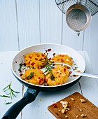 Sheep's cheese fritters with peppers and amaranth