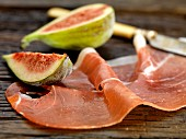 Prosciutto e fichi (Parma ham with figs)