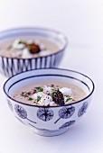 Suppe mit Morcheln, Champignons und Vanille