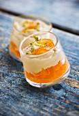 Schichtdessert mit Orange und Wasabi