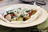 Jakobsmuscheln mit Kartoffeln & Kräutern en papillote