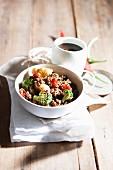Hackfleischgericht mit Gemüse und Chili