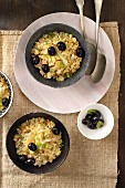 Bulgur with raisins, mint, roasted fennel and black olives