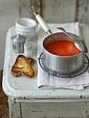 Cream of red pepper soup with buttered bread