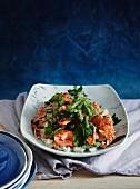 Lachssalat mit scharf-saurer Sauce