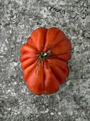A beef steak tomato (seen from above)