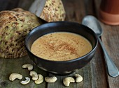 Cream of celery soup with cashew nuts