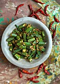 Okra with shallots and chillis (India)