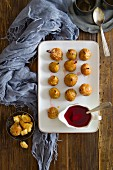 Roasted pears with red wine sauce