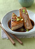 Stuffed bean cake with spring onions (China)