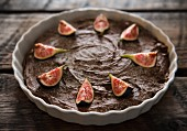 Chocolate tart with figs, cinnamon and ginger