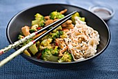 Spicy stir-fried chicken with broccoli