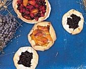 Peach and blueberry gallete