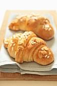 Mandel-Croissants