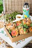 Pfirsiche im Teigmantel zum Picknick