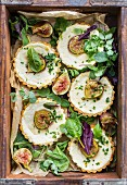 Fig tartlets with goasts' cheese for a picnic