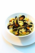 Mussels with curry and black salsify